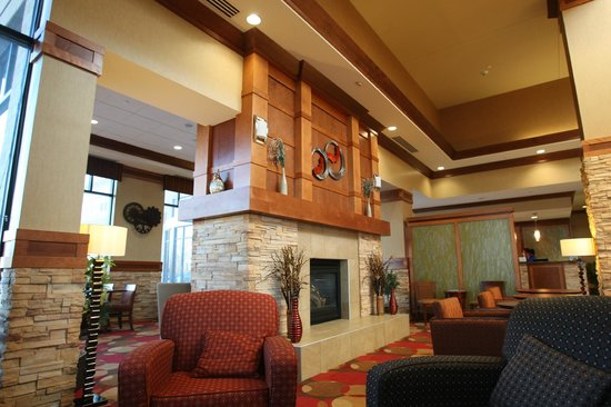 Hilton Garden Inn Milwaukee Airport:                   view of the lobby