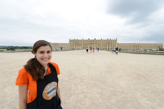 Monument Cafe Versailles Guided Tours