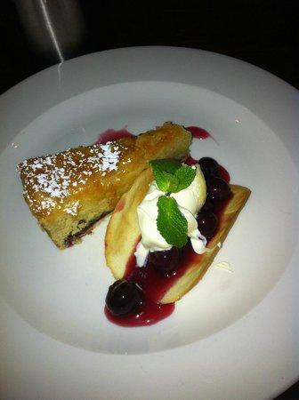 The Bear's Paw: Bakewell tart, black cherries & clotted cream