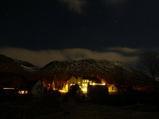 Bridge of Orchy Hotel:                   Night view from the bridge