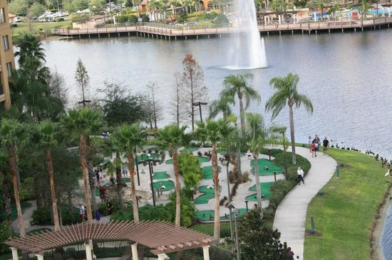 Wyndham Bonnet Creek Resort:                   mini golf
