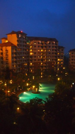 Holiday Inn Resort Batam: Night room view