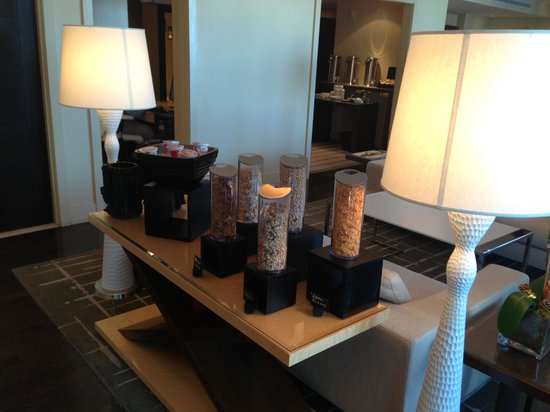 EPIC Hotel - a Kimpton Hotel: Club lounge offerings for breakfast.