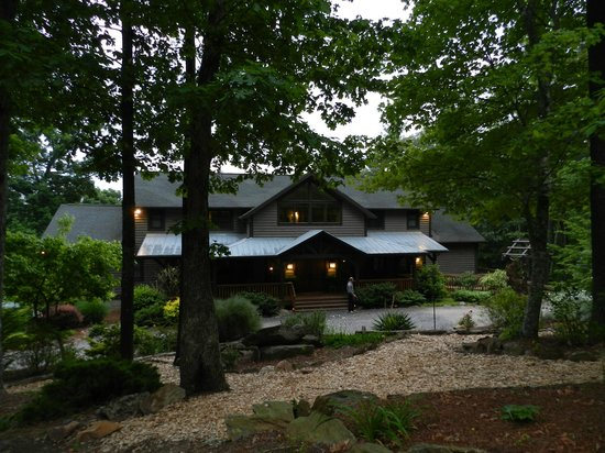 Bent Creek Lodge:                   View of the Lodge as you approach it from the road.