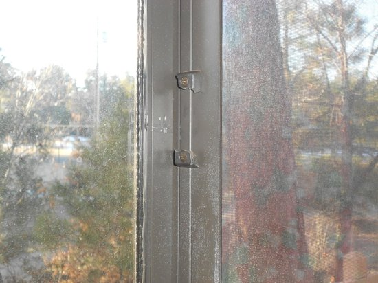 Lake of the Woods Resort:                   one of the 3 broken window locks