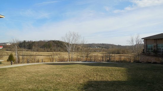 Marriott MeadowView Conference Resort & Convention Center:                   golf course