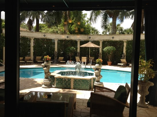 Hampton Inn Boca Raton:                   Pool