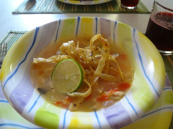 Merida Urban Adventures:                   Sopa de lima