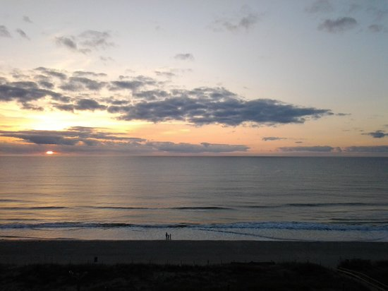 Courtyard by Marriott Carolina Beach:                                     Sunrise view from room