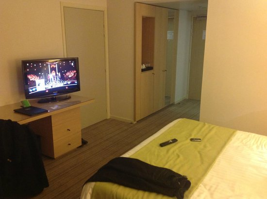 Courtyard by Marriott Montpellier:                   chambre