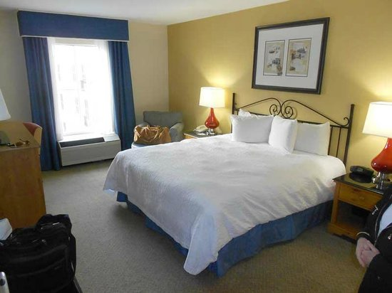 Hampton Inn & Suites Amelia Island-Historic Harbor Front:                   My wife was pleased, even impressed, with the room and the bedding. We slept w