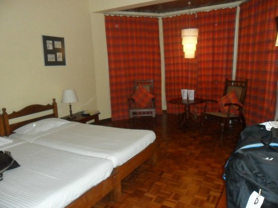 Windsor Hotel:                   hotel room