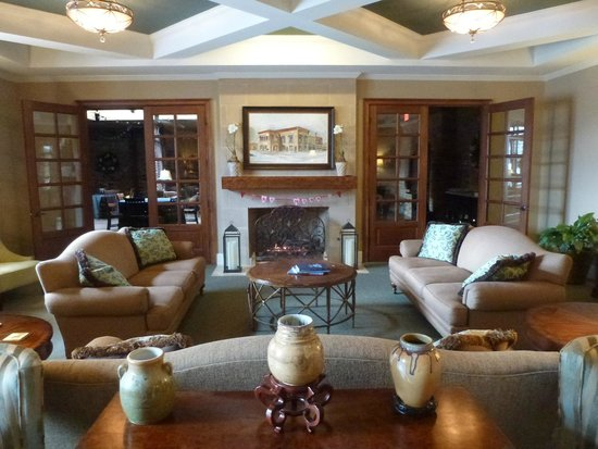 Bleckley Inn:                   The cozy lobby with fireplace
