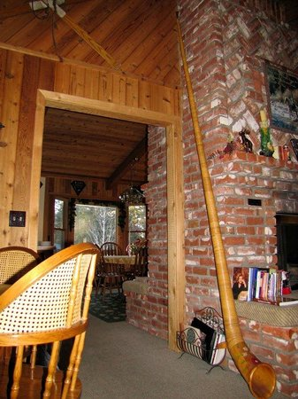 Alpenhorn Bed and Breakfast:                   The alpine horn