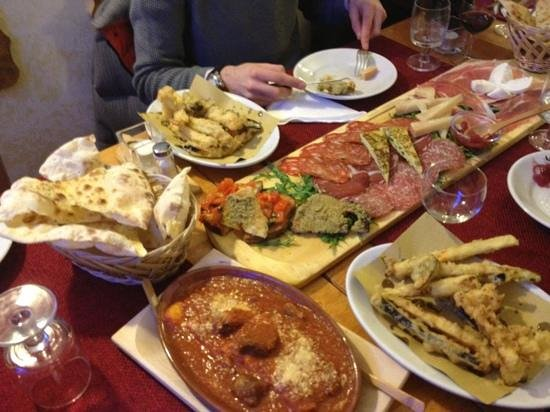 Fiumicino, Wochy:                   antipasti