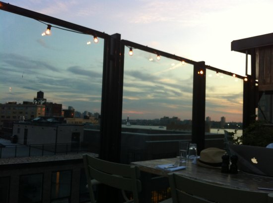 Soho House New York: Rooftop at night