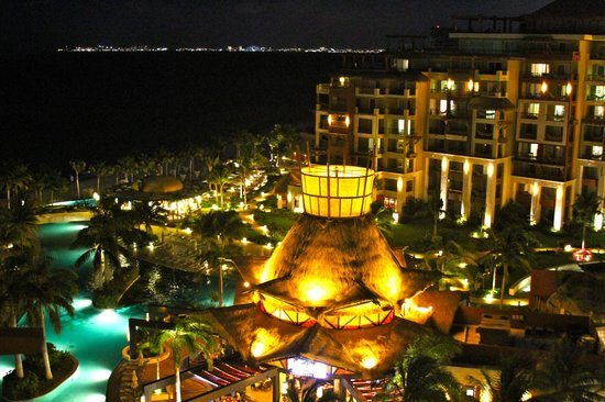Villa del Palmar Cancun Beach Resort & Spa:                   The pool closest to the beach