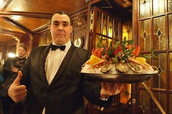 Chef de rang picture of brasserie flo paris tripadvisor for Chef de rang