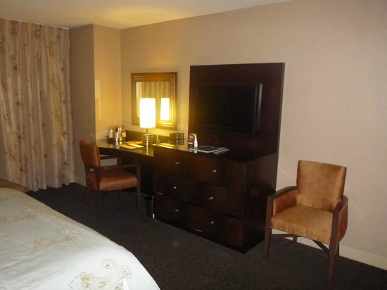 Gold Strike Casino Resort:                   Room 942