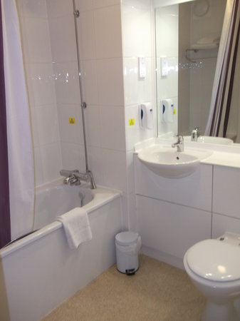Premier inn norwich broadlands a47 thorpe st andrew england hotel reviews tripadvisor Premiere bathroom design reviews
