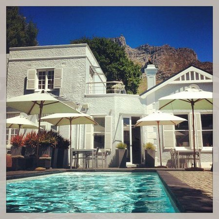 2Inn1  Kensington:                   From the pool up to Table Mountain