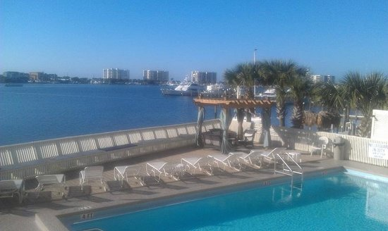 Inn on Destin Harbor:                   The Pool and Harbor View