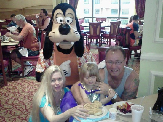 Wyndham Lake Buena Vista:                   Breakfest with Goofy
