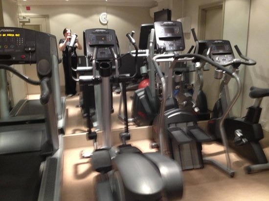 Rydges Kensington London:                   The gym