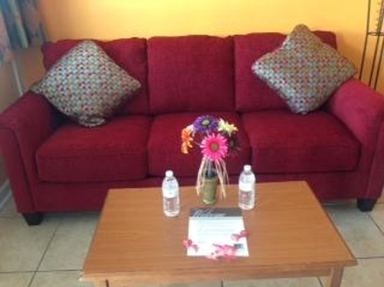 Esplanade Suites:                   welcome leter, candy and water awaiting in our room