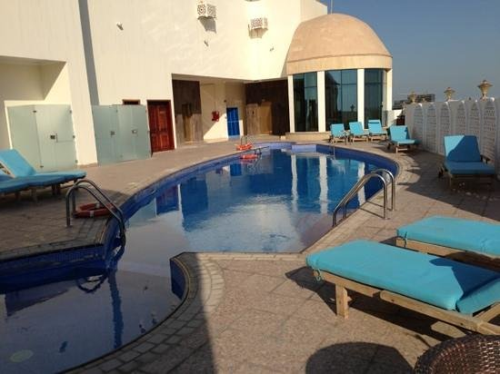 Horizon Manor Hotel: Rooftop pool