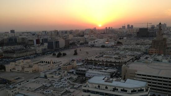 Horizon Manor Hotel: Doha sunset from the rooftop