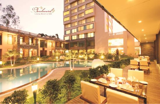Boulevard 9 Luxury Resort & Spa