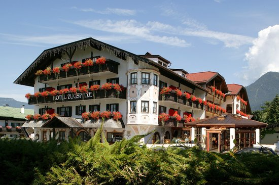 Photo of Hotel Zugspitze Garmisch-Partenkirchen