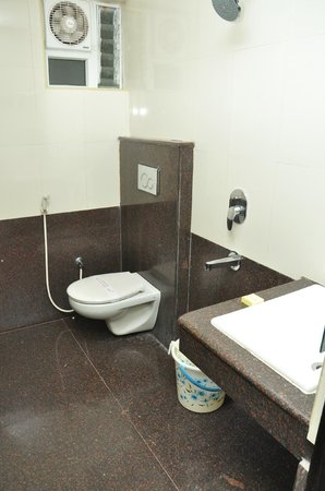 PL.A. Residency: Bathroom