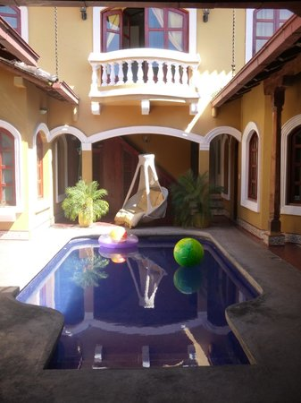 Casa del Agua:                   Pool
