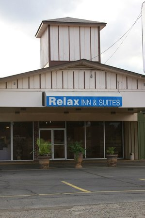 ‪Relax Inn and Suites‬