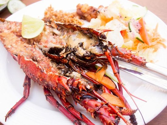 Galu, Kenia:                                     grilled lobster