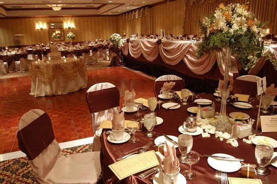   : Woods Ballroom Wedding