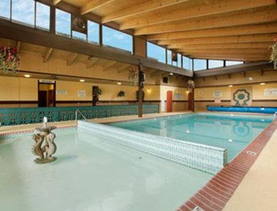 Days Inn Salem: Pool
