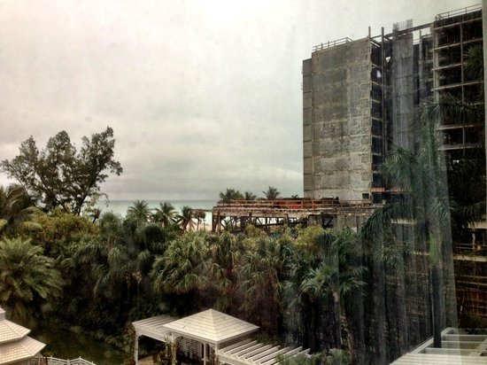 The Palms Hotel & Spa: View to next doors on a rainy day....