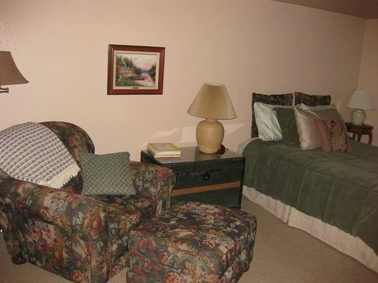 Kooskia, ID: Clearwater room at Reflections Inn.