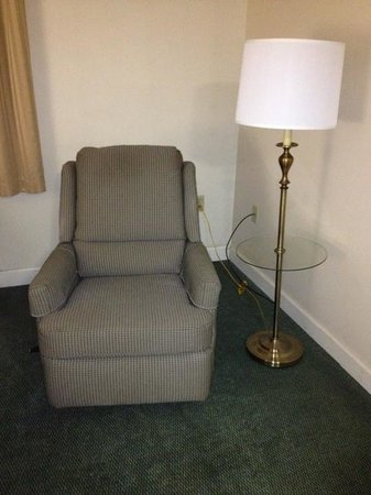 Extended Stay America - Knoxville - West Hills:                   out of date furniture.  Is that a lamp table? Why yes!