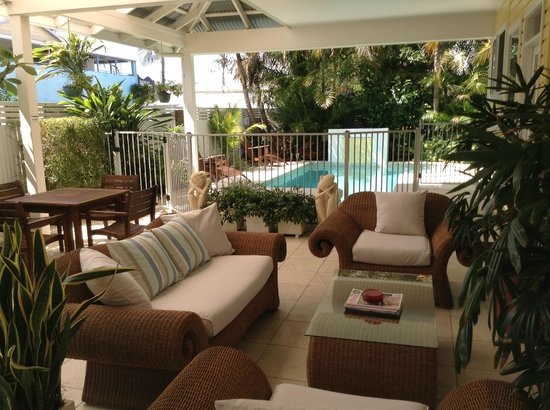 Byron Bathers: Out door Lounge & Sitting Area