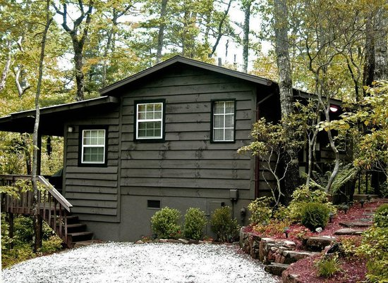 Cabins at Seven Foxes: Fox Hole (1 bedroom, 1 bath)