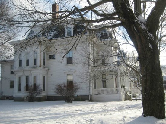 Berry Manor Inn:                                     Rockland has many heritage listed homes