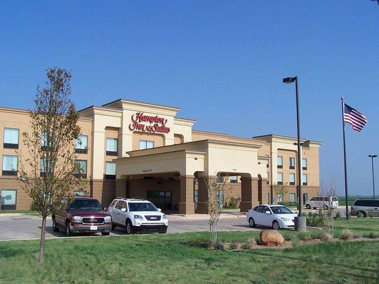 Hampton Inn &amp; Suites Altus: Hotel Exterior