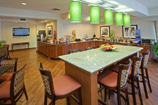 Hampton Inn Chattanooga Hixson: Breakfast Area