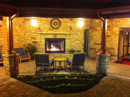 Hampton Inn Pigeon Forge:                   Huge Outdoor Fireplace Area!