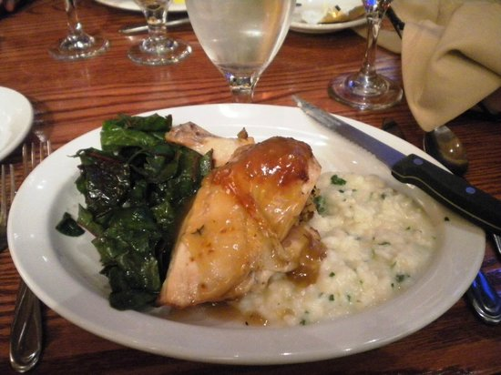 Yosemite Lodge At The Falls: Loved the food in the restaurant, but not in the cafeteria