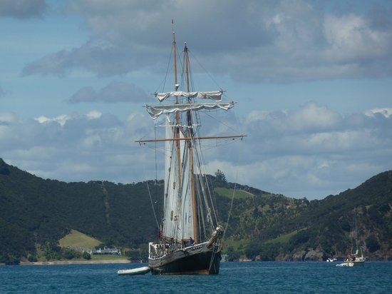 Paihia, New Zealand:                   there&#39;s pirates on that ship I&#39;m sure